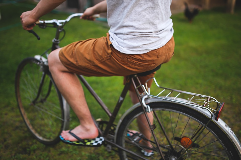 Join a bike tour and discover Tel Aviv