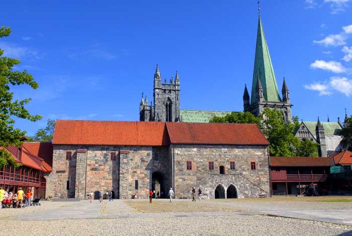 Resultado de imagem para erkebispegården trondheim