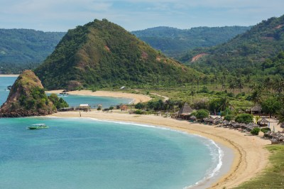 10 Most Beautiful Islands Near Bali (with Photos & Map ...