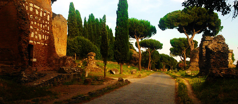 The Appian Way, a bridge towards the Magna Graecia