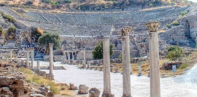 Complete Guide to Ephesus Antique City and its Remains