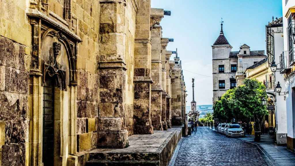Cordoba group trip with pick-up