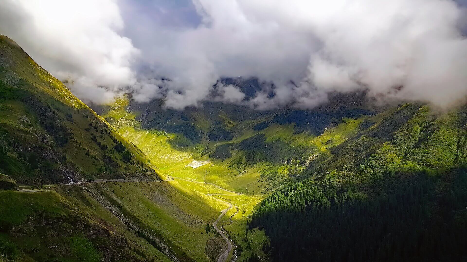 Top 10 Tourist Attraction To Visit in Romania