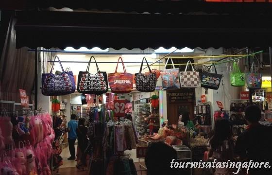 OlehOleh Singapore Apa Dijual di Chinatown  Lihat