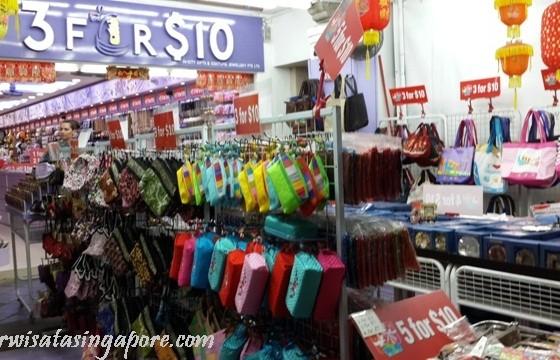OlehOleh Singapore Apa Saja Dijual di Chinatown  Lihat