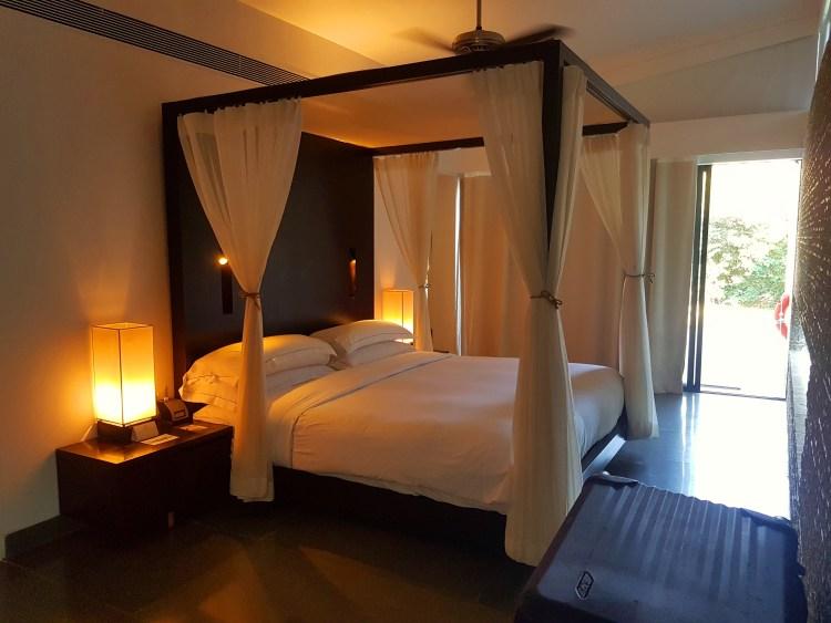 Bedroom - Spa Pool Villa, Hilton Shillim Estat