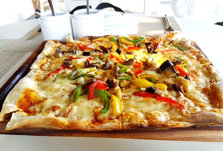 Pizza at Mountain Bar and Bistro Hilton Shillim
