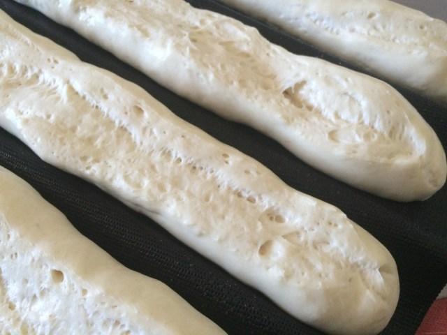 baguettes qui croustillent 2 avant cuisson