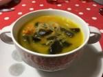 Soupe aux champignons noirs