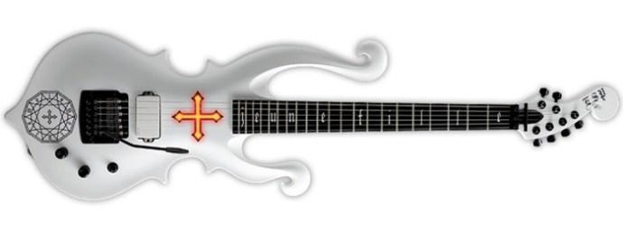 Jeune Fille, la guitare de Mana