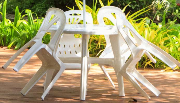 Nettoyer meuble jardin plastique  Tout pratique