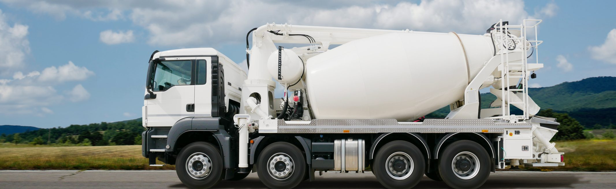 mixo pompe un camion toupie avec pompe