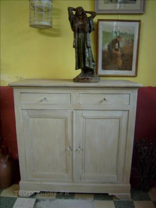 meuble ancien peint en gris de cuisine