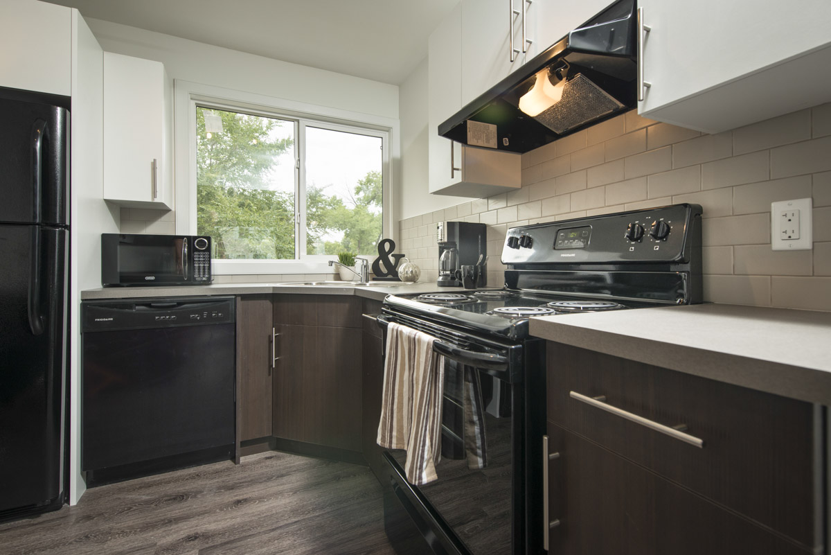 kitchen for rent retro chalkboards apartments winnipeg 738 scotland apartment towers realty