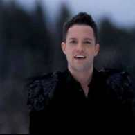 Brandon Flowers Glitters Up the Wilderness