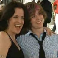 Ally Sheedy Now Has a Mother and a Daughter who are Lesbians