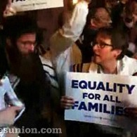 Anti-Gay Orthodox Jews Muscle Openly Lesbian Rabbi Sharon Kleinbaum Out of Albany Photo Op: VIDEO