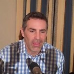 Super Bowl Champ Kurt Warner Hopes NFL Accepts Gays in Football: VIDEO