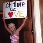 Christina Aguilera – 'Let There Be Love': VIDEO