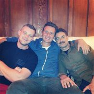 Russell Tovey, Jonathan Groff And Murray Bartlett Watched The Emmys Together, Without Bitterness: PHOTO