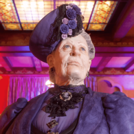 This Lifelike Dowager Countess Cake Masterpiece is a 20-Layer Buttercream Retort: VIDEO