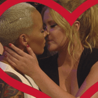 Amy Schumer and Amber Rose Make Out for MTV's Kiss Cam: VIDEO