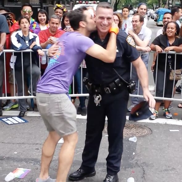 Video Gay Police