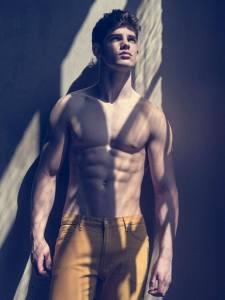 male-model-chad-reeh-photos-10032015-26-435x580