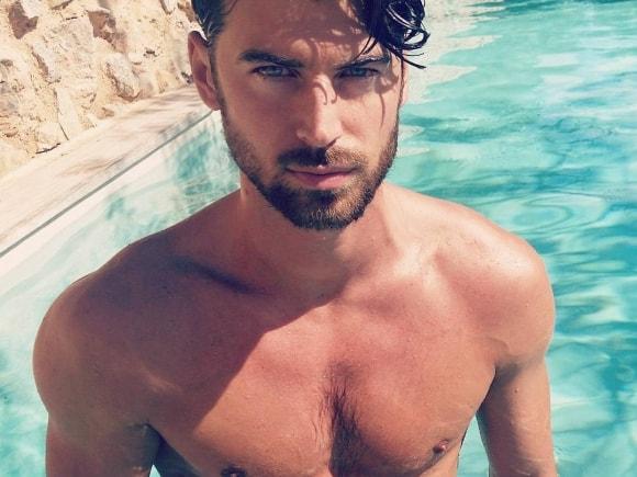 shirtless-ferran-calderon-01132016-lead01-580x435