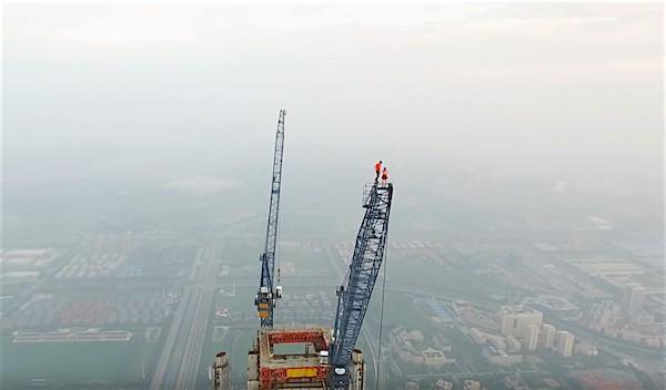 couple highest crane