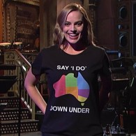 Margot Robbie Wears Support for Australian Marriage Equality on SNL: WATCH