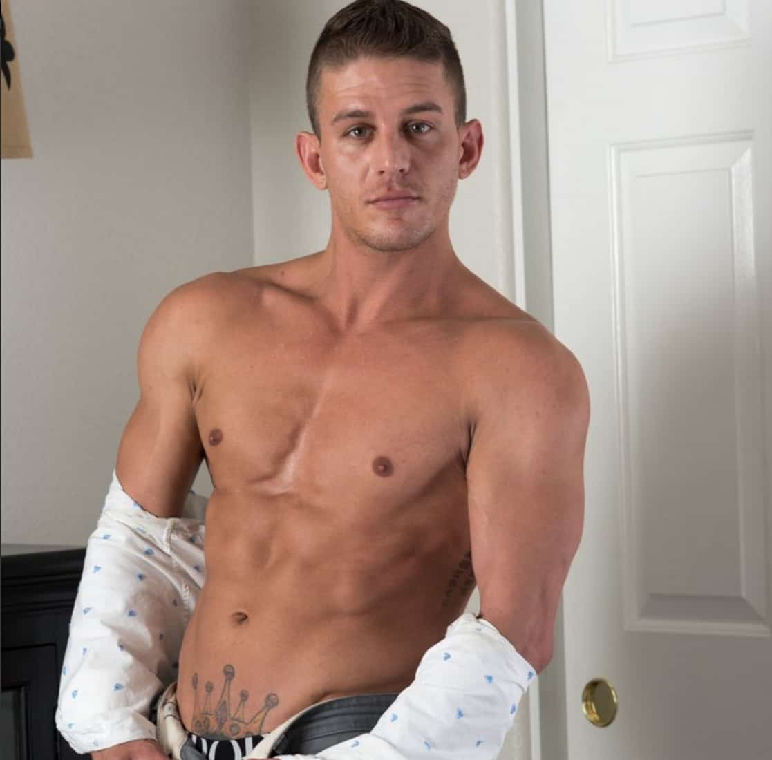 Gay Adult Film Actor Alexander Gustavo Takes His Own Life -2738