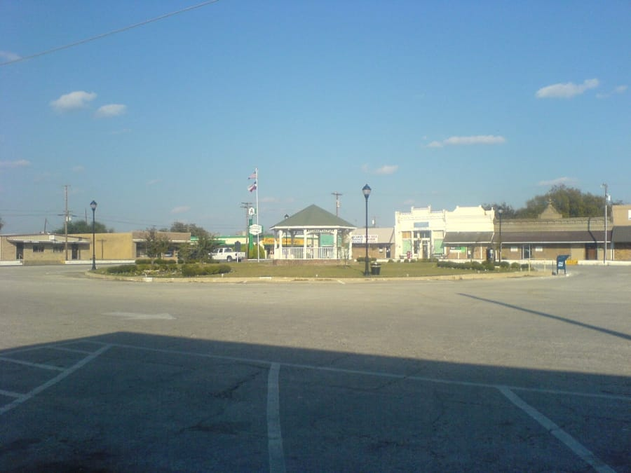 Alvarado's downtown square. There are about 4,000 people in this city, which is about 40 miles from Dallas. A new immigration detention facility will hold as many as 700 people. Credit: Danny Burton/Wikimedia Commons