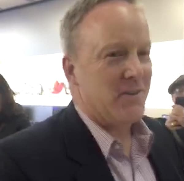 Sean Spicer Apple