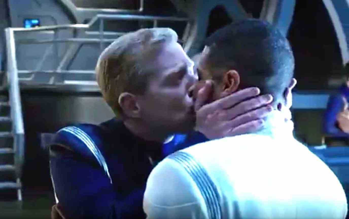 Star Trek gay kiss