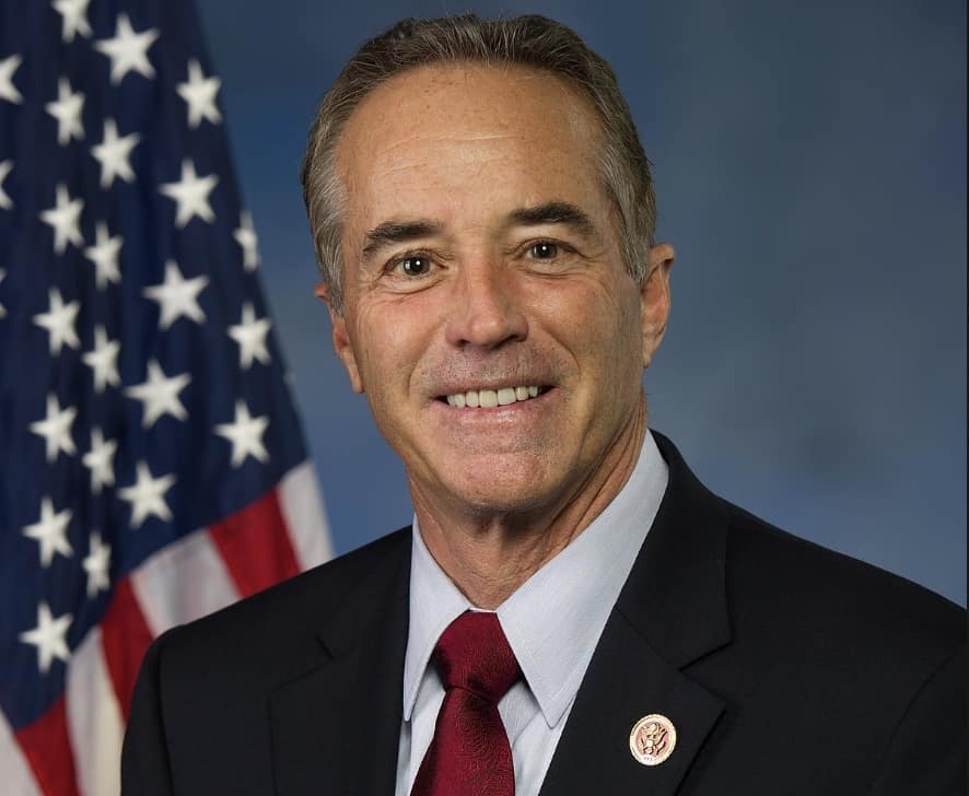 new york republican rep. chris collins indicted on insider trading charges New york congressman pleads not guilty to insider trading charges rep chris collins delivers a speech at the republican national convention in 2016 in cleveland according to the newly-unsealed indictment, timely sales based on inside information allowed cameron collins.