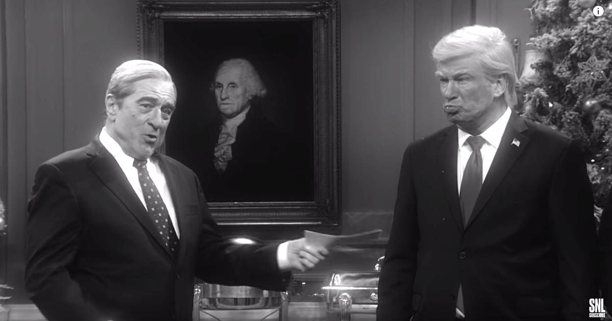 'Saturday Night Live' Spoofs 'It's a Wonderful Life' to Attack Donald Trump