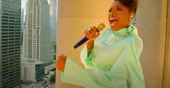 Jennifer Hudson bridge over