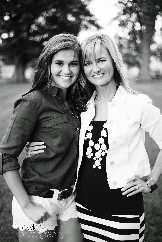Mom And Daughter Bedroom Ideas: Iowa High School Senior Model
