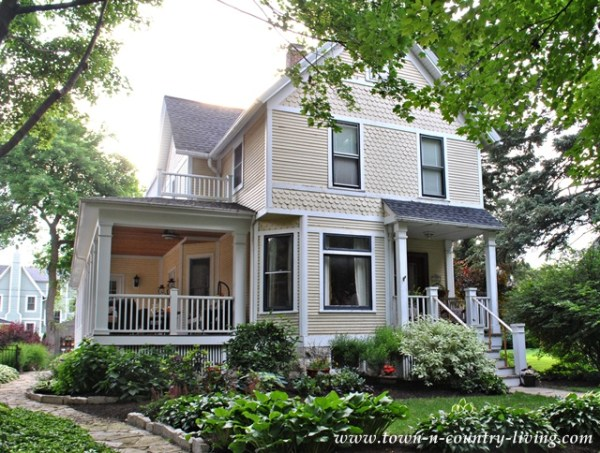 home tour in historic district