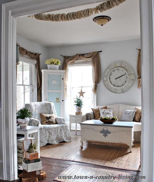 Farmhouse Cottage Decor