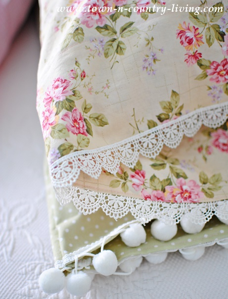 diy vintage style pillow