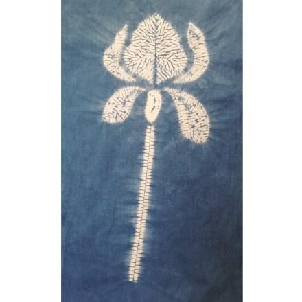 Full length iris flower design