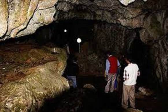 Amakama wooden cave