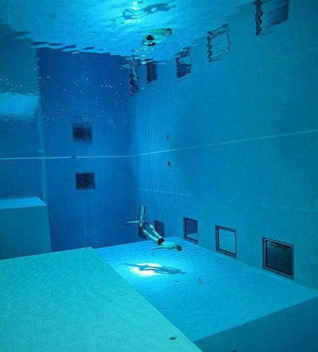 The Deepest Diving Pool in the World