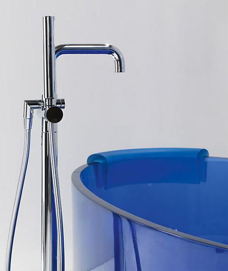 Jolie Glass Bathtub 2