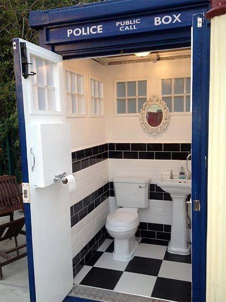 TARDIS Bathroom