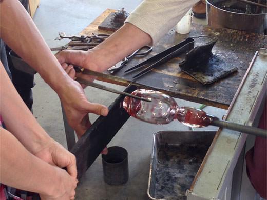 富山ガラス工房 吹きガラス体験教室でグラス制作