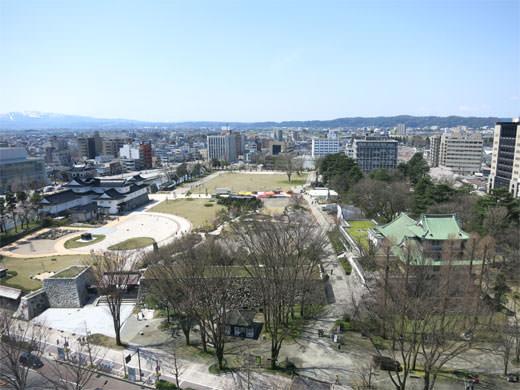 フランス料理 ルミエール 富山第一ホテル 桜ランチで富山城を一望