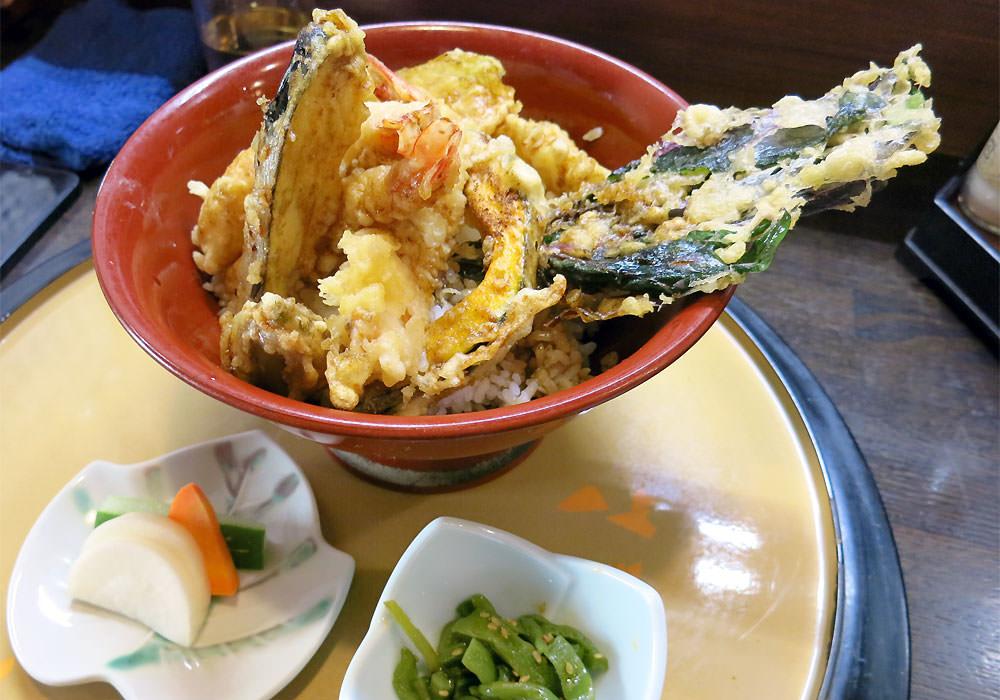 天平 カウンターで粋に味わう揚げたてサクサク天ぷら